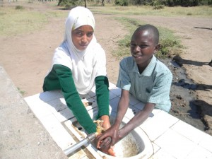 Students at Kishermoruak Primary School washing hands